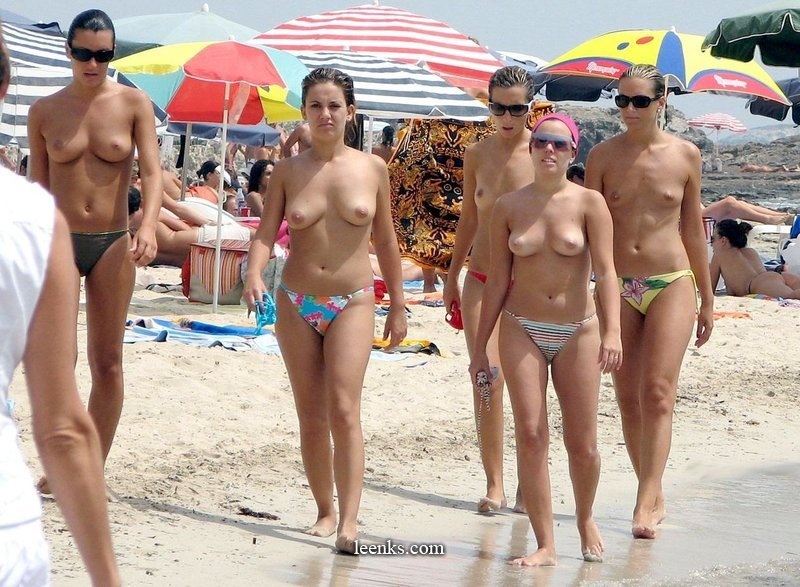 Naked girls tits exposed gifs