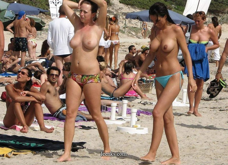 girls on beach Topless