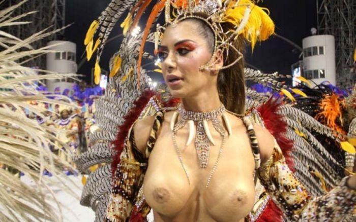 видео голые на карнавале