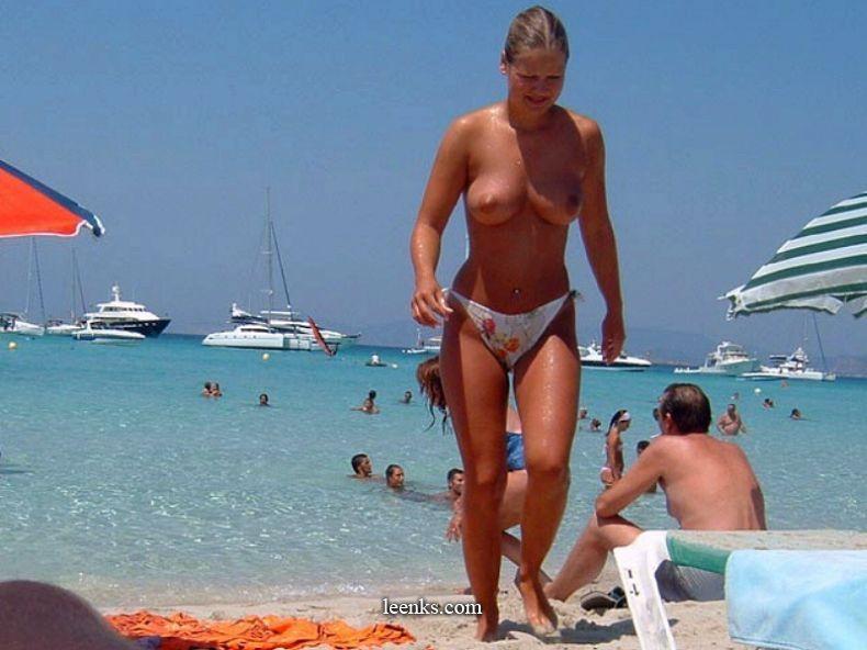 Bare boobs at the beach