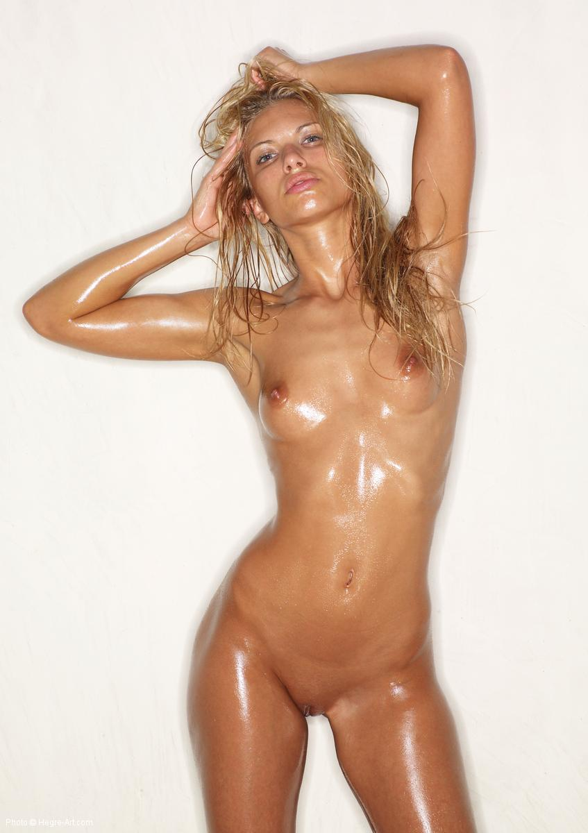 girl oiled nude Sexy